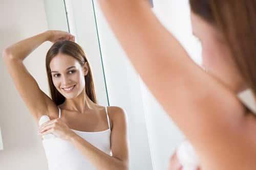 Женщина, твердый дезодорант