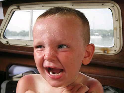 Ребёнок сильно потеет почему 5 лет