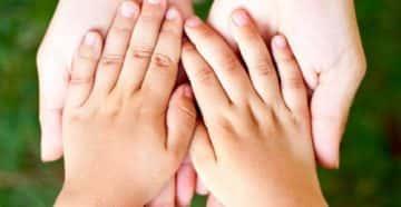 Почему у ребенка потеют ладошки