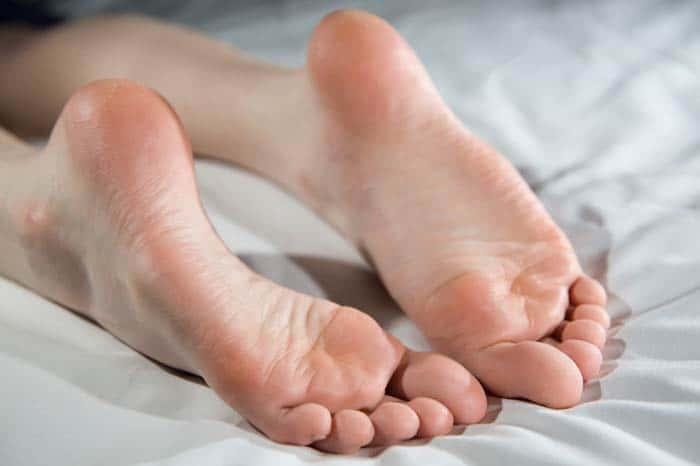 Потные ноги