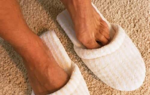 Потеют ноги у мужчин