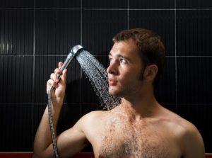 Мужчина, душ