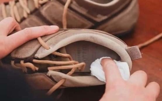 Чем обрабатывать обувь при грибке ногтей и как ее дезинфицировать