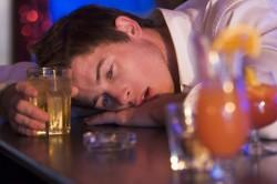 Злоупотребление алкоголем - причина инсульта