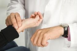 Редкий пульс - симптом инсульта