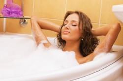 Принятие теплой ванны пред массажем