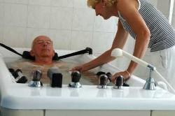 Принятие ванны в санатории