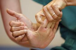 Массаж для восстановления работы руки после инсульта