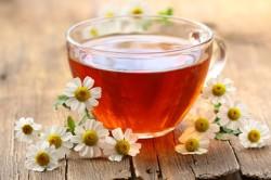 Польза чая с ромашкой при вздутии живота