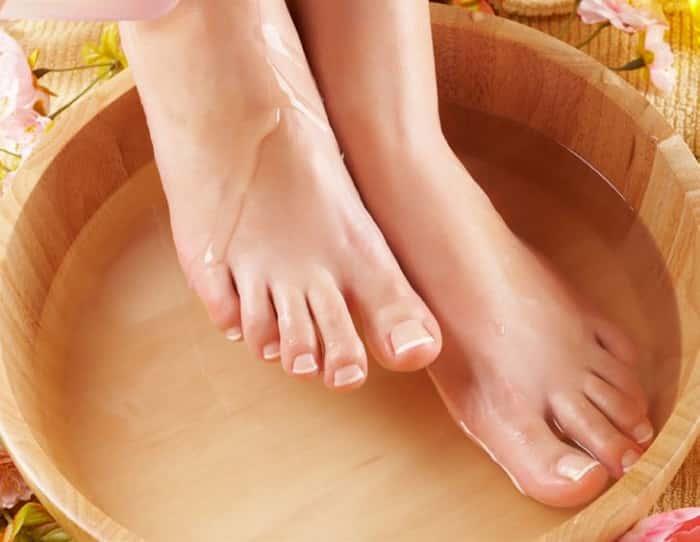 Ванночки для ног с уксусной эссенцией от грибка