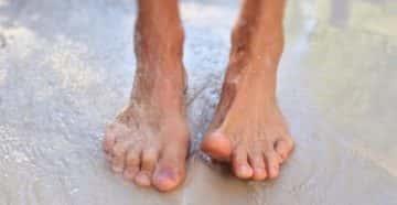 Почему сильно потеют ноги у мужчин