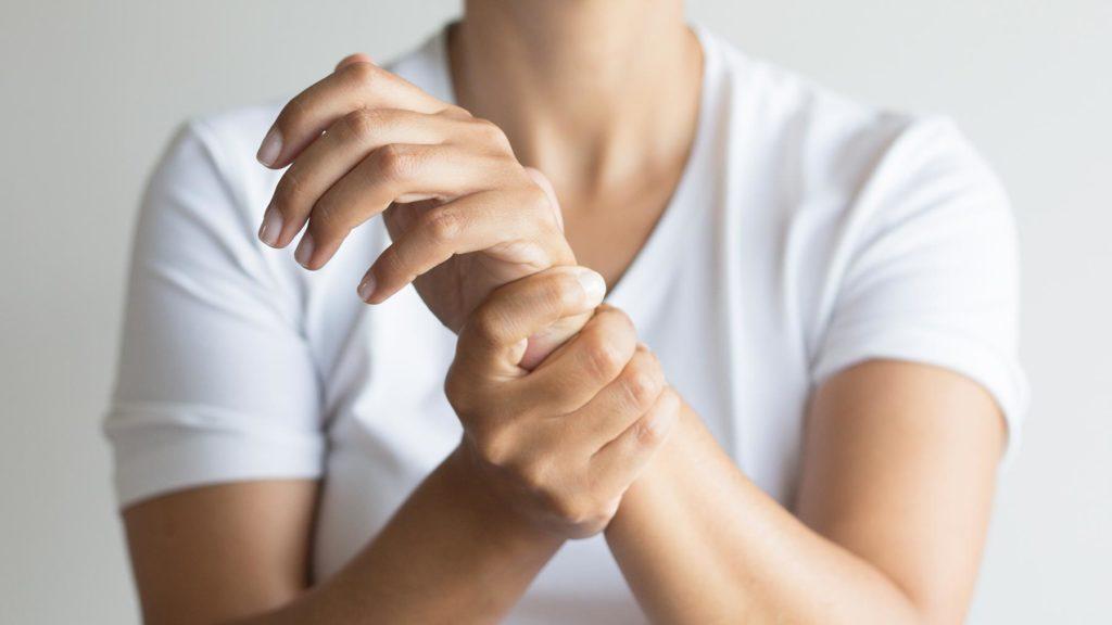 Теносиновит суставов: причины, симптомы и лечение